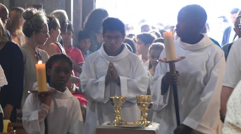 Photos de la Première communion à Saint-Charles. 18 juin 2017